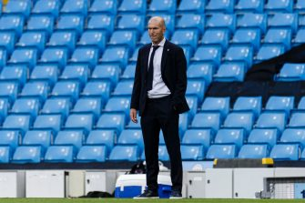 MANCHESTER, ENGLAND - AUGUST 07: Zinedine Zidane Head Coach of Real Madrid during the UEFA Champions League round of 16 second leg match between Manchester City and Real Madrid at Etihad Stadium on August 7, 2020 in Manchester, United Kingdom. (Photo by Ricardo Nogueira/Eurasia Sport Images/Getty Images)