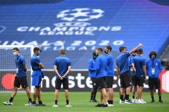 Atalanta's players arrive for a team walk-around at the Luz stadium in Lisbon on August 11, 2020 on the eve of the UEFA Champions League quarter-final football match between Atalanta and Paris Saint-Germain. (Photo by David Ramos / POOL / AFP) (Photo by DAVID RAMOS/POOL/AFP via Getty Images)