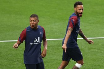 Paris Saint-Germain's Brazilian forward Neymar and Paris Saint-Germain's French forward Kylian Mbappe (L) attend a training session at the Luz stadium in Lisbon on August 11, 2020 on the eve of the UEFA Champions League quarter-final football match between Atalanta and Paris Saint-Germain. (Photo by RAFAEL MARCHANTE / POOL / AFP) (Photo by RAFAEL MARCHANTE/POOL/AFP via Getty Images)