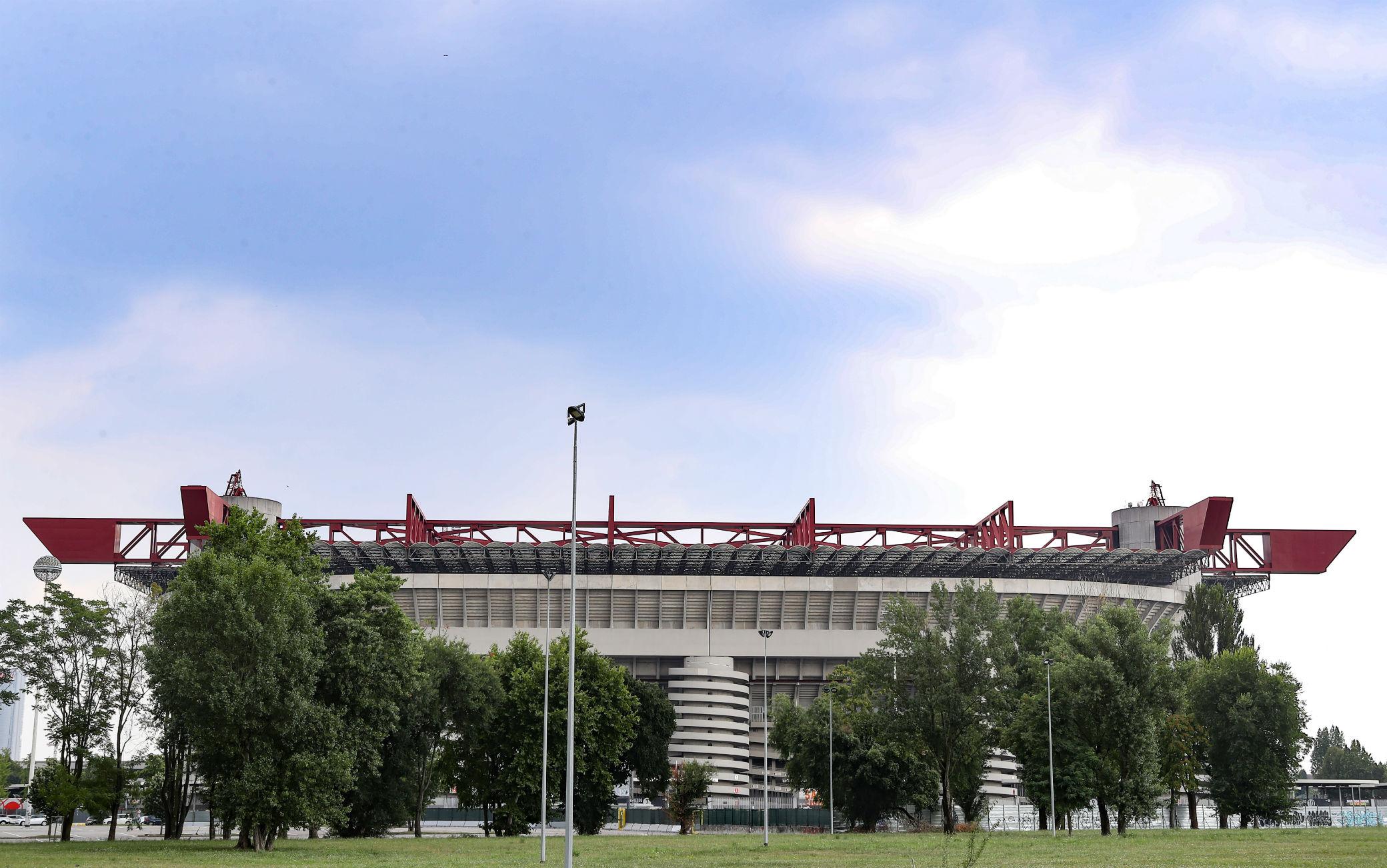 Calcio, in Lombardia riaperti stadi: fino a 1000 spettatori all'aperto