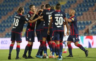 CROTONE, ITALY - JULY 27: Tomislav Gomelt of Crotone celebrates the opening goal the serie B match between FC Crotone and Frosinone Calcio at Stadio Comunale Ezio Scida on July 27, 2020 in Crotone, Italy. (Photo by Maurizio Lagana/Getty Images for Lega Serie B)