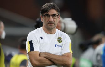 GENOA, ITALY - AUGUST 02: Ivan Juric Head coach of Hellas Verona during the Serie A match between Genoa CFC and  Hellas Verona at Stadio Luigi Ferraris on August 02, 2020 in Genoa, Italy. (Photo by Jonathan Moscrop/Getty Images)