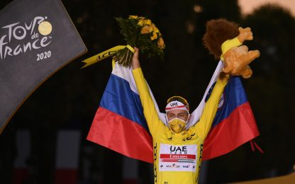 Tour de France: trionfa Tadej Pogacar, ultima tappa a Bennett