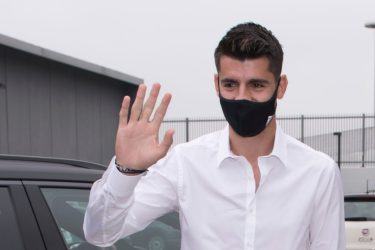 TURIN, ITALY - SEPTEMBER 22: Alvaro Morata new player of Juventus FC wearing a protective mask arrives at Jmedical for Juventus FC Medical Tests on September 22, 2020 in Turin, Italy. (Photo by Stefano Guidi/Getty Images)