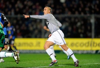 BERGAMO, ITALY - NOVEMBER 07:  Fabio Cannavaro of Juventus FC  in action during the Serie A match between Atalanta BC  and Juventus FC at Stadio Atleti Azzurri d'Italia on November 7, 2009 in Bergamo, Italy.  (Photo by Claudio Villa/Getty Images)