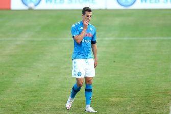 CASTEL DI SANGRO, ITALY - AUGUST 28: (BILD ZEITUNG OUT) Arkadiusz Milik of Napoli looks dejected during the pre-season friendly match between SSC Napoli and Castel Di Sangro at Stadio Comunale Teofilo Patini on August 28, 2020 in Castel di Sangro, Italy. (Photo by Matteo Ciambelli/DeFodi Images via Getty Images)