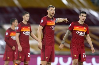 ROM, ITALY - SEPTEMBER 27: (BILD ZEITUNG OUT) Edin Dzeko of AS Roma gestures during the Serie A match between AS Roma and Juventus at Olimpico on September 27, 2020 in Rom, Italy. (Photo by Matteo Ciambelli/DeFodi Images via Getty Images)