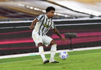ROME, ITALY - SEPTEMBER 27: Weston Mckennie of Juventus in action during the Serie A match between AS Roma and Juventus at Stadio Olimpico on September 27, 2020 in Rome, Italy. (Photo by Silvia Lore/Getty Images)