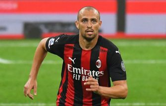 MILAN, ITALY - SEPTEMBER 21: Leo Duarte of AC MIlan in action during the Serie A match between AC Milan and Bologna FC at Stadio Giuseppe Meazza on September 21, 2020 in Milan, Italy. (Photo by Alessandro Sabattini/Getty Images)