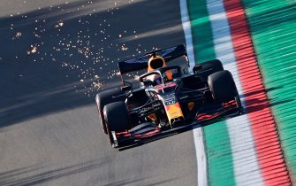epa08787886 Dutch Formula One driver Max Verstappen of Aston Martin Red Bull Racing in action during the first practice session of the Formula One Grand Prix Emilia Romagna at Imola race track, Italy, 31 October 2020. The 2020 Formula One Grand Prix Emilia Romagna will take place on 01 November 2020.  EPA/Miguel Medina / Pool
