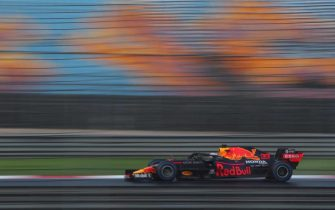 epa08820006 Dutch Formula One driver Max Verstappen of Aston Martin Red Bull Racing in action during the qualifying practice session of the Formula One Grand of Turkey on the Intercity Istanbul Park circuit, Istanbul, Turkey, 14 November 2020. The Formula One Grand of Turkey will take place on 15 November 2020.  EPA/TOLGA BOZOGLU / POOL