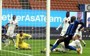 Inter MilanÕs Romelu Lukaku  scores goal of 2  to 2   during the Italian serie A soccer match  Fc Inter and Torino Fc at Giuseppe Meazza stadium in Milan 22 November  2020.ANSA / MATTEO BAZZI