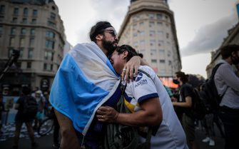 epa08842624 Hundreds of people gather at the Obelisk to say goodbye to Diego Armando Maradona, in Buenos Aires, Argentina, 25 November 2020. Diego Maradona has died at the age of 60 after a heart attack on 25 November 2020.  EPA/Juan Ignacio Roncoroni
