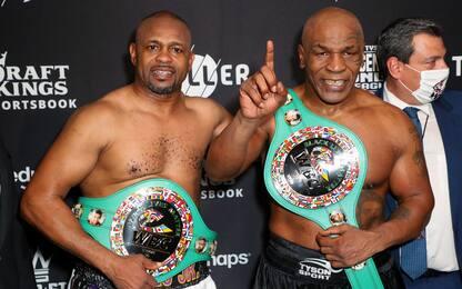 Boxe, sfida Tyson-Jones: finisce pari lo scontro tra leggende