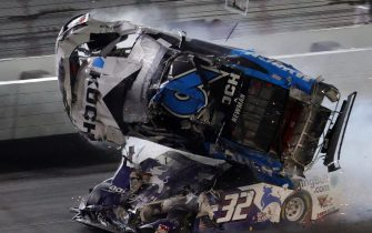DAYTONA BEACH, FLORIDA - FEBRUARY 17: Ryan Newman, driver of the #6 Koch Industries Ford, flips over as he crashes during the NASCAR Cup Series 62nd Annual Daytona 500 at Daytona International Speedway on February 17, 2020 in Daytona Beach, Florida.   Chris Graythen/Getty Images/AFP == FOR NEWSPAPERS, INTERNET, TELCOS & TELEVISION USE ONLY ==