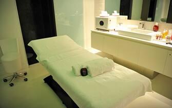 Foto Lapresse/Matteo Corner 10/03/2017 Milano (Italy) Cronaca La spa della palestra Virgin di Corso Como Nella foto una sala massaggio