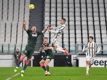 Juventus-Crotone 3-0: video, gol e highlights della partita di Serie A