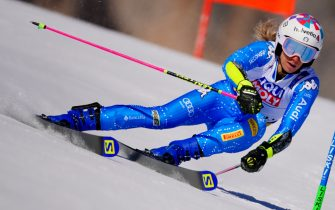 18 February 2021, Italy, Cortina D´ Ampezzo: Alpine Skiing: World Cup, Giant Slalom, Women: Marta Bassino of Italy skis in the first run on the track. Photo: Michael Kappeler/dpa