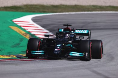 Formula 1, Gp di Spagna: pole Hamilton, è la numero 100 in carriera