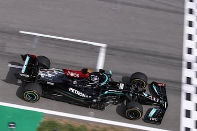 F1, Gp di Spagna: Hamilton vince davanti a Verstappen, quarto Leclerc