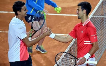 Internazionali tennis Roma, Sonego sconfitto in semifinale da Djokovic