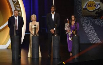 UNCASVILLE, CONNECTICUT - MAY 15: Class of 2020 inductees, (L-R) Rudy Tomjanovich, Kim Mulkey, Tim Duncan and Vanessa Bryant (accepting for her late husband Kobe Bryant) pose together on-stage during the 2021 Basketball Hall of Fame Enshrinement Ceremony at Mohegan Sun Arena on May 15, 2021 in Uncasville, Connecticut. (Photo by Maddie Meyer/Getty Images)