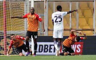 Il gol di Simy in Benevento-Crotone ha complicato la corsa salvezza dei campani