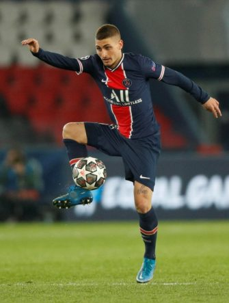 epa09166128 Paris Saint Germain's Marco Verratti in action during the UEFA Champions League semi final, first leg soccer match between PSG and Manchester City at the Parc des Princes stadium in Paris, France, 28 April 2021.  EPA/YOAN VALAT