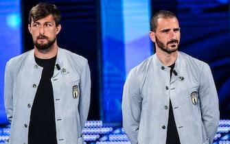 Francesco Acerbi e Leonardo Bonucci con la divisa della Nazionale firmata Armani