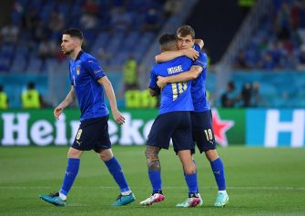 Italian players (L-R) Jorginho, Lorenzo Insigne, and Nicolo Barella prepare for the UEFA EURO 2020 group A preliminary round soccer match between Italy and Switzerland in Rome, Italy, 16 June 2021.  EPA-EFE/Ettore Ferrari / POOL (RESTRICTIONS: For editorial news reporting purposes only. Images must appear as still images and must not emulate match action video footage. Photographs published in online publications shall have an interval of at least 20 seconds between the posting.)