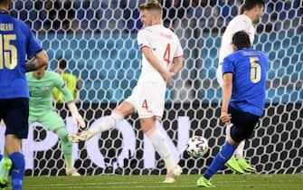 Uno dei due gol di Manuel Locatelli in Italia-Svizzera agli Europei 2021