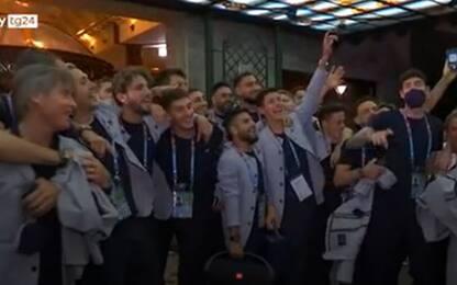 """Euro 2020, gli Azzurri cantano """"Notti Magiche"""": è nuovo inno. VIDEO"""