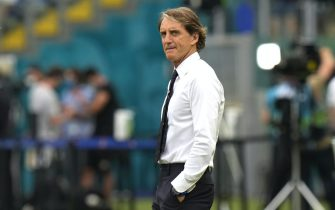 epa09288641 Italy's head coach Roberto Mancini prior to the UEFA EURO 2020 group A preliminary round soccer match between Italy and Wales in Rome, Italy, 20 June 2021.  EPA/Alessandra Tarantino / POOL (RESTRICTIONS: For editorial news reporting purposes only. Images must appear as still images and must not emulate match action video footage. Photographs published in online publications shall have an interval of at least 20 seconds between the posting.)