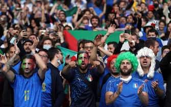 Supporter azzurri a Wembley durante la semifinale Italia-Spagna di Euro 2020