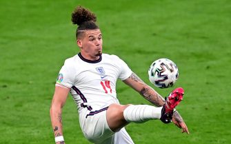 epa09294161 Kalvin Phillips of England in action during the UEFA EURO 2020 group D preliminary round soccer match between the Czech Republic and England in London, Britain, 22 June 2021.  EPA/Neil Hall / POOL (RESTRICTIONS: For editorial news reporting purposes only. Images must appear as still images and must not emulate match action video footage. Photographs published in online publications shall have an interval of at least 20 seconds between the posting.)