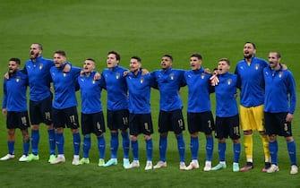 La Nazionale italiana canta l'inno prima della finale contro l'Inghilterra