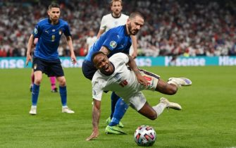 Il fallo di Bonucci su Sterling durante la finale di Euro 2020