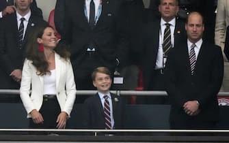 Il principe William con la moglie Kate Middleton e il primogenito George a Wembley