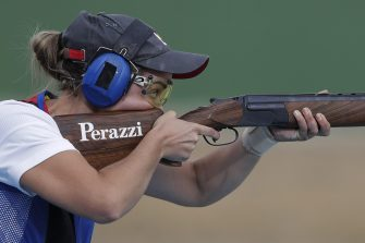 epa05462735 Jessica Rossi of Italy takes aim during the women's Trap final of the Rio 2016 Olympic Games Shooting events at the Olympic Shooting Centre in Rio de Janeiro, Brazil, 07 August 2016.  EPA/VALDRIN XHEMAJ