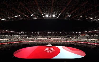 Olimpiadi Tokyo, la cerimonia di apertura. Stadio semivuoto