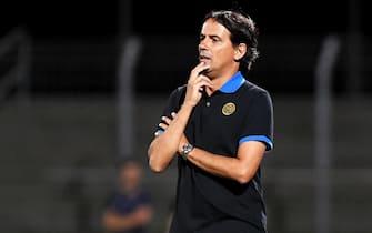 epa09351080 Inter's head coach Simone Inzaghi reacts during the pre-season friendly soccer match between FC Lugano and FC Inter Milan, at Cornaredo Stadium in Lugano, Switzerland, 17 July 2021.  EPA/Samuel Golay