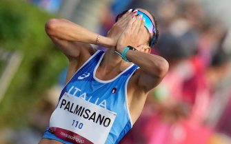 epa09400049 Antonella Palmisano of Italy reacts while finishing first for the Gold medal in the Women's 20 kilometer Race Walk during the Athletics events of the Tokyo 2020 Olympic Games at the Odori Park in Sapporo, Japan, 06 August 2021.  EPA/KIMIMASA MAYAMA