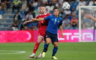 Giacomo Raspadori in azione durante Italia-Lituania