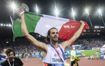 epa09458405 Gianmarco Tamberi of Italy reacts after winning the High Jump Men competition during the Weltklasse IAAF Diamond League international athletics meeting at the Letzigrund stadium in Zurich, Switzerland, 09 September 2021.  EPA/ENNIO LEANZA