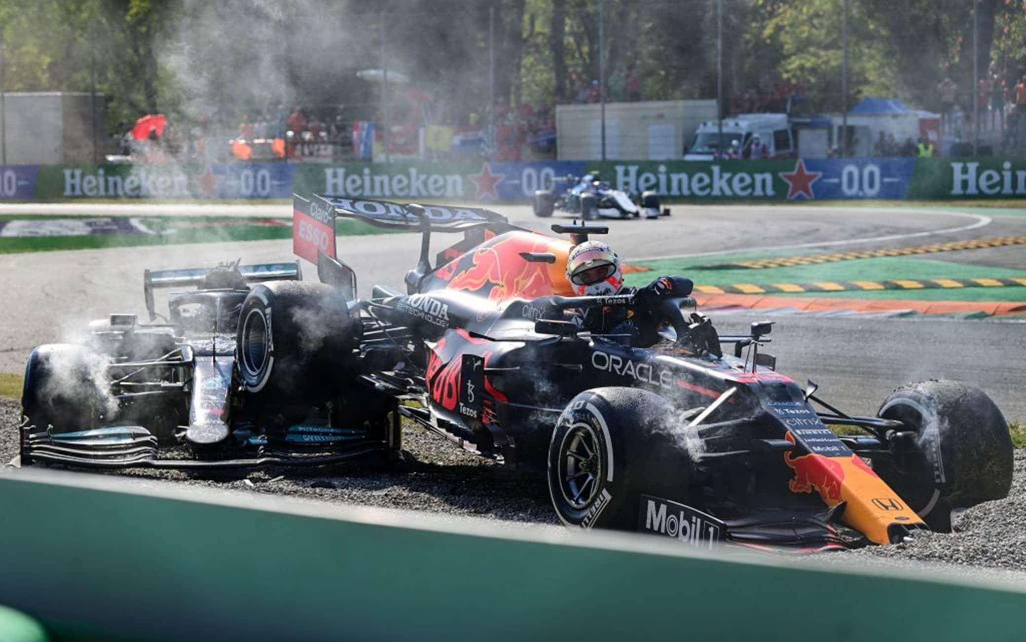L'incidente tra Hamilton e Verstappen a Monza