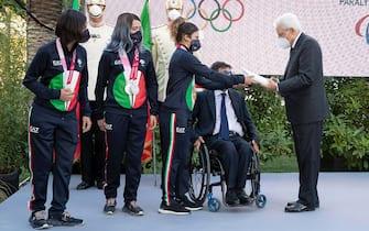 Roma - Gli atleti paralimpici consegnano in dono un album fotografico di Tokyo 2020 al Presidente Sergio Mattarella, oggi 23 settembre 2021. (Foto di Francesco Ammendola - Ufficio per la Stampa e la Comunicazione della Presidenza della Repubblica)