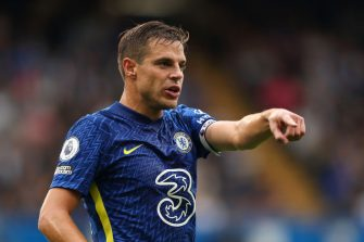 LONDON, ENGLAND - SEPTEMBER 25: Cesar Azpilicueta of Chelsea during the Premier League match between Chelsea and Manchester City at Stamford Bridge on September 25, 2021 in London, England. (Photo by James Williamson - AMA/Getty Images)