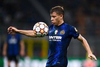 STADIO GIUSEPPE MEAZZA, MILAN, ITALY - 2021/09/15: Nicolo Barella of FC Internazionale controls the ball during the UEFA Champions League football match between FC Internazionale and Real Madrid CF. Real Madrid CF won 1-0 over FC Internazionale. (Photo by Nicolò Campo/LightRocket via Getty Images)