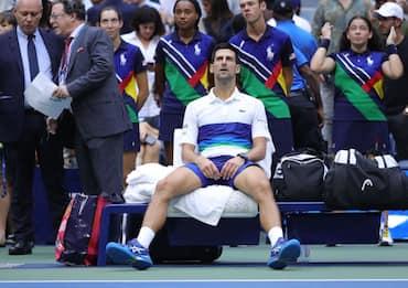 Tennis, vaccino obbligatorio agli Australian Open: Djokovic a rischio
