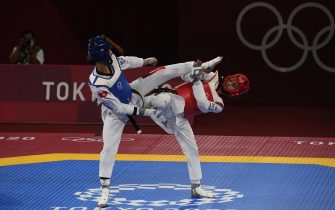 Italy's Vito Dell'Aquila (R) fights with Tunisia's Khalil Mohamed Jendoubi during their Taekwondo Men's -58kg final of the Tokyo 2020 Olympic Games at the Makuhari Messe convention centre in Chiba, Japan, 24 July 2021.  ANSA / CIRO FUSCO